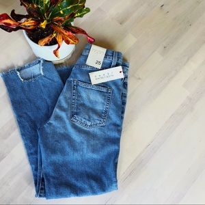NWT Alice + Olivia Double Waist Girlfriend Jeans